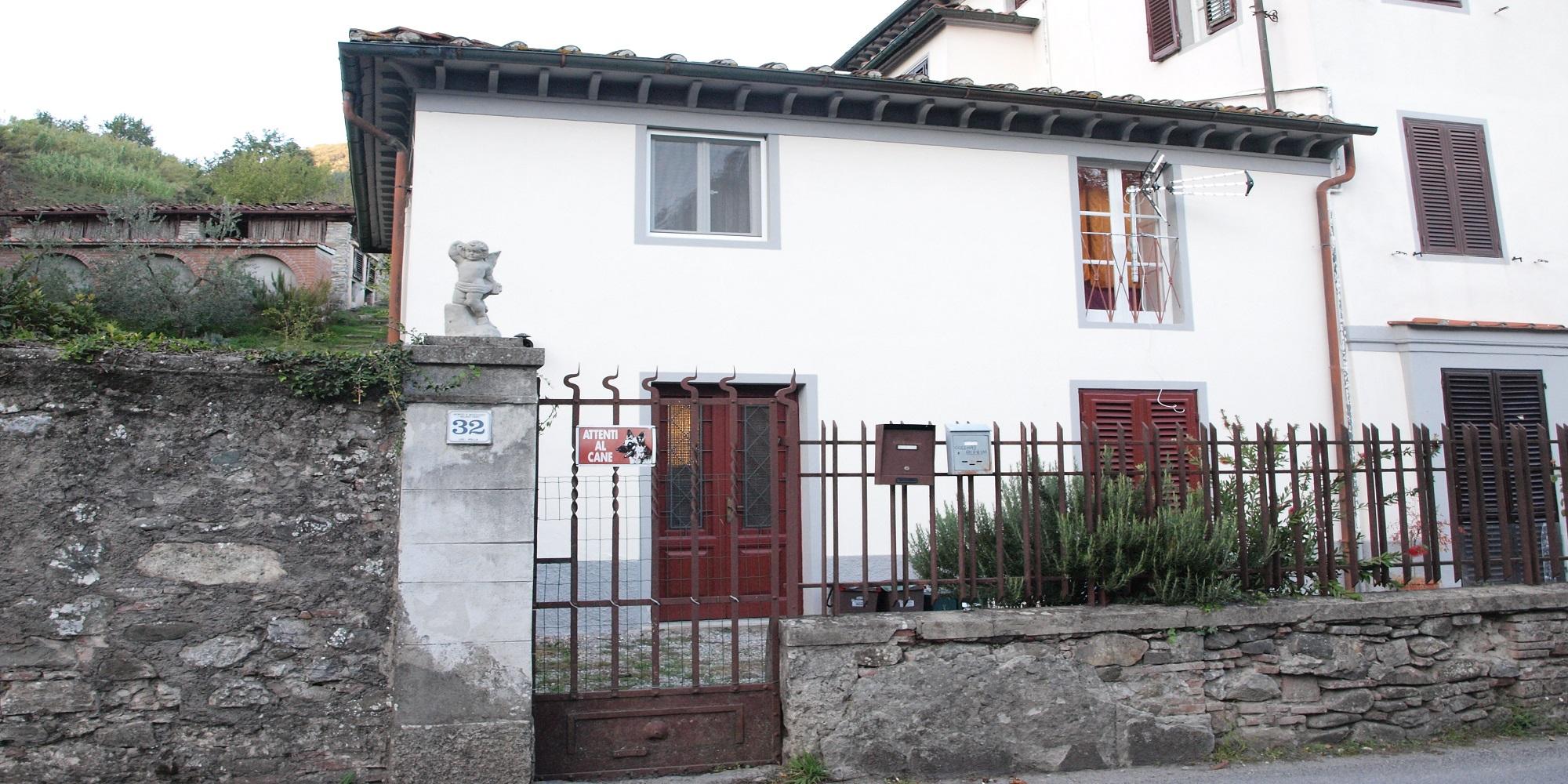 Lucca semi detached house in Borgo a Mozzano