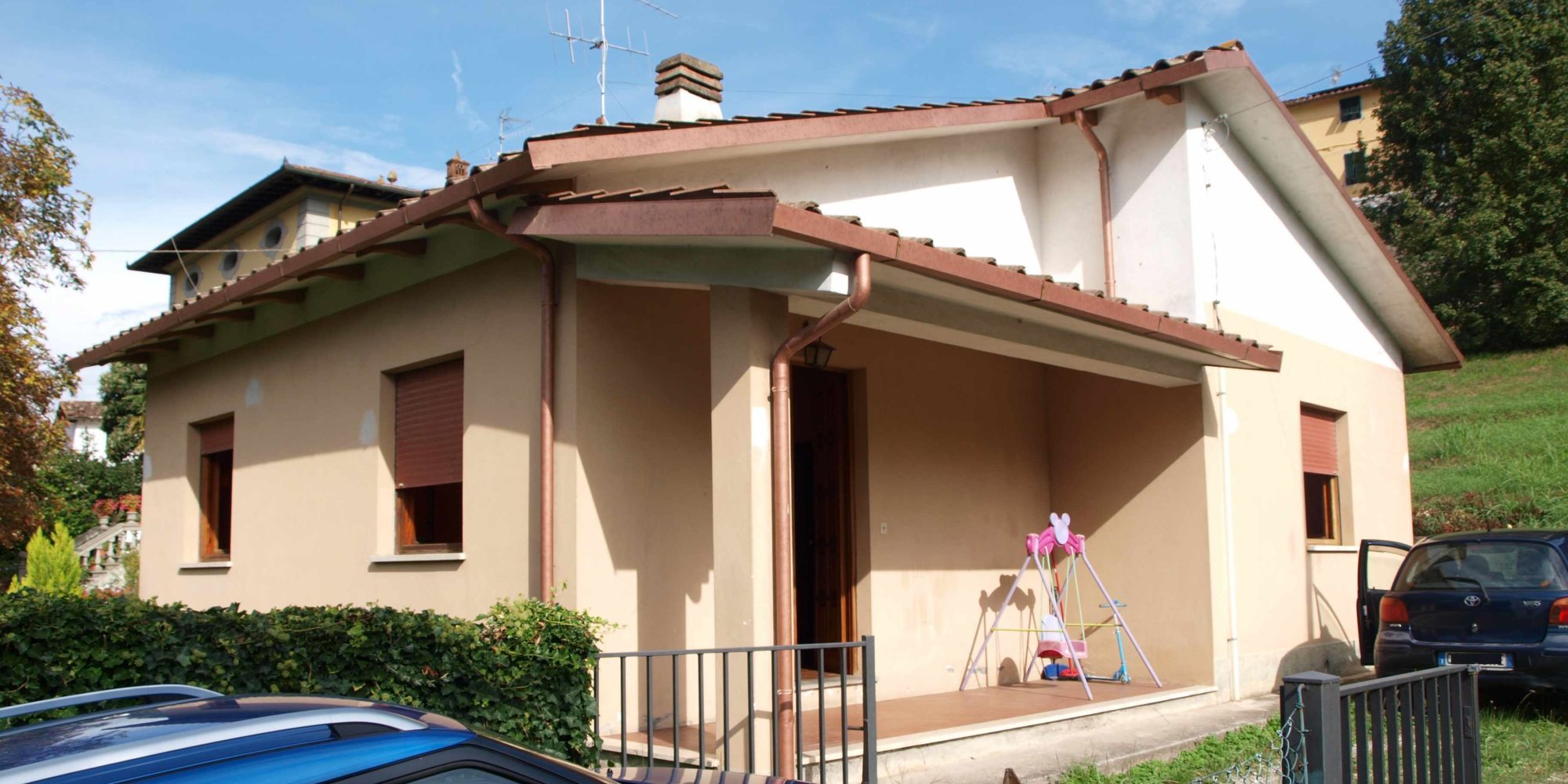 Lucca detached house with garden